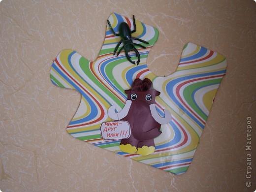 как за считанные минуты украсить детскую комнату из подручного материала. для этого нужна потолочная плитка, аракал и немного фантазии. фото 5