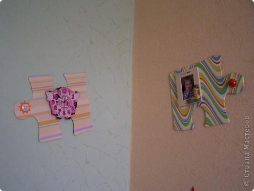 как за считанные минуты украсить детскую комнату из подручного материала. для этого нужна потолочная плитка, аракал и немного фантазии. фото 1