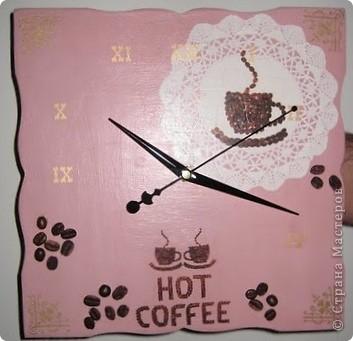 Представляю вам кофейные часы. Они сделаны в подарок на ДР хорошей знакомой, можно сказать по заказу - мне заказали часы, но тематику я сама выбрала. Правда, с подарком я опоздала на пол месяца, ну нечего, подарю сейчас ))  фото 2
