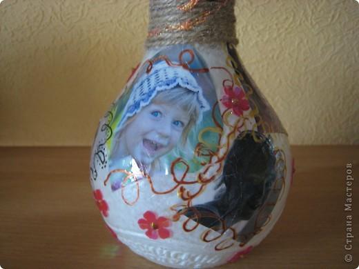 Первый раз пробую себя в  декупаже, решила для бабушки мужа на 85 лет сделать такую вот бутылочку  фото 2