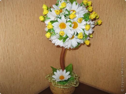 дерево из  искуственных цветов, спасибо Стране Мастеров за идеи. фото 3