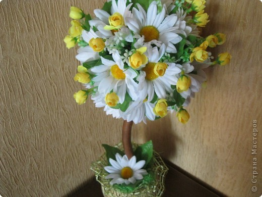 дерево из  искуственных цветов, спасибо Стране Мастеров за идеи. фото 4