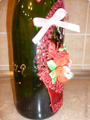 Ну вот и я попробовала сделать свою подарочную корзинку с цветами. Спасибо огромное http://stranamasterov.ru/node/227312 и http://stranamasterov.ru/node/225660 Все как-то времени не было за домашними делами, но завтра день рождения у моей сестры - вот за 2 часа  вечером сваяла такую штучку. Корзинку сделала из ленточек. фото 4