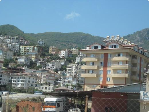 Добрый день жители и гости Страны Мастеров! Предлагаю Вам посмотреть фотографии моего путешествия в Турцию. Приехала 4 дня назад. Ездила с подругой по турпутёвке на 12 дней. Сказать, что очень понравилось, значит ничего не сказать... Это просто сказка! Посмотрите, какие в Турции красивые места! Многие фото сделаны из окна автобуса, так что, извините за качество фотографий. фото 6