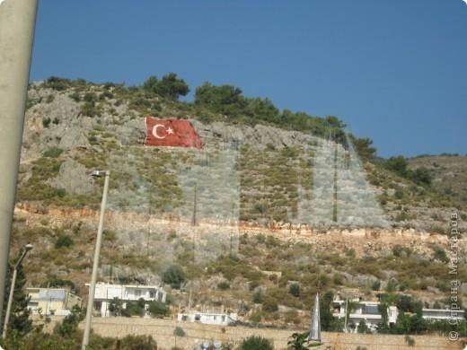 Добрый день жители и гости Страны Мастеров! Предлагаю Вам посмотреть фотографии моего путешествия в Турцию. Приехала 4 дня назад. Ездила с подругой по турпутёвке на 12 дней. Сказать, что очень понравилось, значит ничего не сказать... Это просто сказка! Посмотрите, какие в Турции красивые места! Многие фото сделаны из окна автобуса, так что, извините за качество фотографий. фото 14