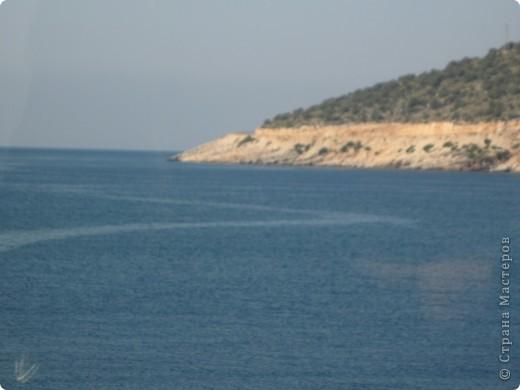 Добрый день жители и гости Страны Мастеров! Предлагаю Вам посмотреть фотографии моего путешествия в Турцию. Приехала 4 дня назад. Ездила с подругой по турпутёвке на 12 дней. Сказать, что очень понравилось, значит ничего не сказать... Это просто сказка! Посмотрите, какие в Турции красивые места! Многие фото сделаны из окна автобуса, так что, извините за качество фотографий. фото 20