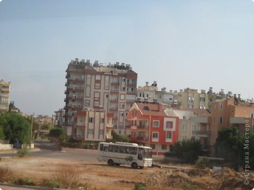 Добрый день жители и гости Страны Мастеров! Предлагаю Вам посмотреть фотографии моего путешествия в Турцию. Приехала 4 дня назад. Ездила с подругой по турпутёвке на 12 дней. Сказать, что очень понравилось, значит ничего не сказать... Это просто сказка! Посмотрите, какие в Турции красивые места! Многие фото сделаны из окна автобуса, так что, извините за качество фотографий. фото 52