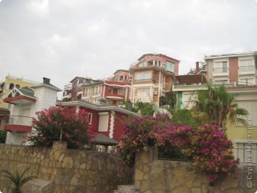 Добрый день жители и гости Страны Мастеров! Предлагаю Вам посмотреть фотографии моего путешествия в Турцию. Приехала 4 дня назад. Ездила с подругой по турпутёвке на 12 дней. Сказать, что очень понравилось, значит ничего не сказать... Это просто сказка! Посмотрите, какие в Турции красивые места! Многие фото сделаны из окна автобуса, так что, извините за качество фотографий. фото 58