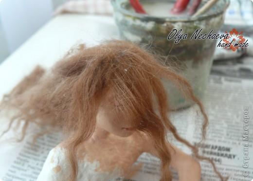 """Меня спрашивали как-то, как клеить волосы кукле?  Методом проб и ошибок я всё же добилась более-менее """"реальных"""" волос, показываю вам.  фото 7"""