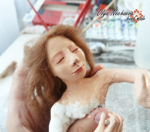 """Меня спрашивали как-то, как клеить волосы кукле?  Методом проб и ошибок я всё же добилась более-менее """"реальных"""" волос, показываю вам.  фото 9"""