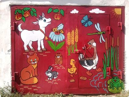 Родственники из Курбатово давно хотели разрисовать ворота гаража. Мы с сыном решили им в этом помочь - вот, что у нас получилось. фото 1