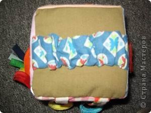 Общий вид. Внутри поролон и яйцо от киндера с бусинами, чтоб шумело. фото 7