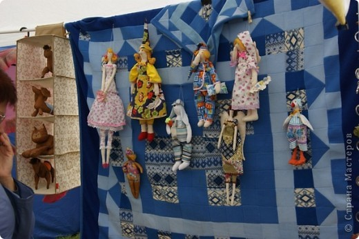 В 2008 году, после более чем полувекового перерыва была возрождена Спасская ярмарка, которая проводилась в Елабуге со второй половины XIX века и была известна наряду с такими знаменитыми российскими ярмарками, как Ирбитская и Макарьевская. фото 17