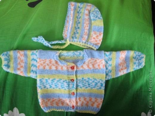 Добрый вечер, любители вязания!! У меня появился повод вязать такие маленькие наряды, чему я рада несказанно! фото 6