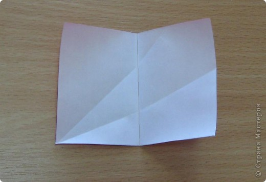 Всем привет!  Этот шипастик был придуман давно, но решила показать его Вам, когда будет сделан МК.  Я уже искала на Фликре похожие модели, но так как он у меня делается из прямоугольников, то пожалуй похожих не нашлось (так как в основном народ собирает кусудамы из квадратных листов бумаги).  Twirl spike, автор: Валентина Минаева (Valentina Minayeva) 30 модулей бумага двухсторонняя размер бумаги: 7,0 х 4,9 см диаметр - 8,5 см собирается БЕЗ КЛЕЯ и модули очень крепко прилегают др. к др.!  фото 10