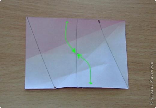 Всем привет!  Этот шипастик был придуман давно, но решила показать его Вам, когда будет сделан МК.  Я уже искала на Фликре похожие модели, но так как он у меня делается из прямоугольников, то пожалуй похожих не нашлось (так как в основном народ собирает кусудамы из квадратных листов бумаги).  Twirl spike, автор: Валентина Минаева (Valentina Minayeva) 30 модулей бумага двухсторонняя размер бумаги: 7,0 х 4,9 см диаметр - 8,5 см собирается БЕЗ КЛЕЯ и модули очень крепко прилегают др. к др.!  фото 13
