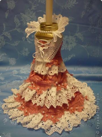 Это моя самая первая работа. Декорировала стеклянную вазу (в виде рюмки для коньяка, только большая). Она без дела стояла у сестры в шкафу, и тут я решила ее хоть как-то преобразить. И вот, что получилось.... фото 8