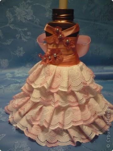 Это моя самая первая работа. Декорировала стеклянную вазу (в виде рюмки для коньяка, только большая). Она без дела стояла у сестры в шкафу, и тут я решила ее хоть как-то преобразить. И вот, что получилось.... фото 10