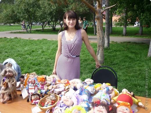 у меня была выставка!!!!)))) Это я со своими куколками))) фото 1