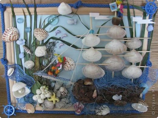 Картина на морскую тему из природных матариалов.