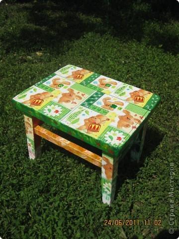 Был старый стульчик, наверное еще с советских времен, жалко не сфотографировала до....Теперь доченька с удовольствием пользуется им фото 2