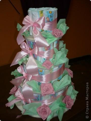 Это торт из памперсов я делала для своей подруги, когда она родила. фото 2