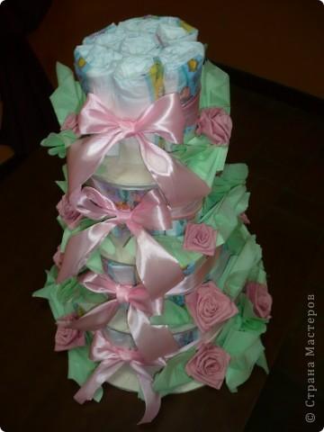 Это торт из памперсов я делала для своей подруги, когда она родила. фото 3