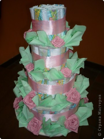 Это торт из памперсов я делала для своей подруги, когда она родила. фото 4