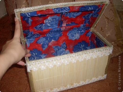 Вот такая получилась шкатулочка.Использовала картон обклеила салфетками ну а сверху для нежности кружево. фото 2