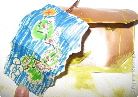Не большое продолжение острова сокровищ. На этот раз это сундук с  драгоценными камнями и золотом. прилагается карта, стоит сундук на песке. Доча очень старалась. фото 3