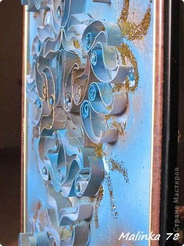 ЧАСТЬ 1  Всем доброго времени суток. Представляю вам ещё одно моё произведение сделанное из рулонов туалетной бумаги. Узоры сделаны в форме пейсли. Техника похожа чем-то на квиллинг, но не знаю можно ли вот это отнести к квиллингу. фото 19