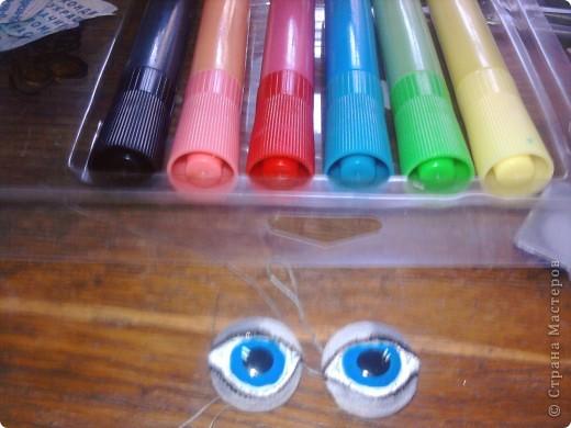 Вот такие глазки я сделала при помощи витражных красок прилипал,незнаю может быть и до меня так же делал, фото 2