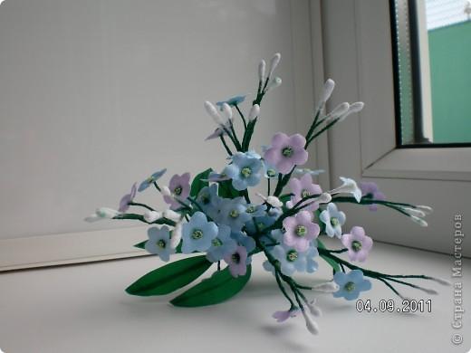 Доброго времени суток, мои дорогие. Очень захотелось показать Вам работы моей дорогой и любимой мамочки. Эти цветы все сделаны из ткани.  Ветка розы фото 5
