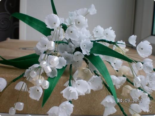 Доброго времени суток, мои дорогие. Очень захотелось показать Вам работы моей дорогой и любимой мамочки. Эти цветы все сделаны из ткани.  Ветка розы фото 8