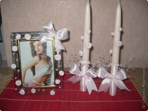 Мои первые свечи =) Лента прикреплеа на момент и силиконовый клей, розы на иголочках.  На рамке розы на силиконовом клею, и бусины тоже фото 1