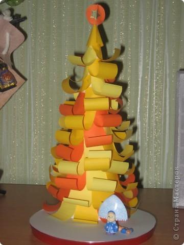 Вот такую елку делала сыну на новый год в садик в прошлом году.