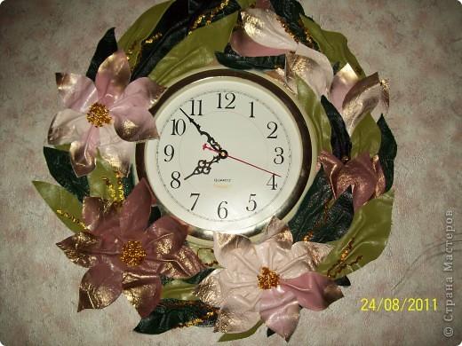 Висели часы... много лет.... просто беленький кружок.... надоело...  Была обувная кожа... может немного грубовата... но мне нравится... фото 2