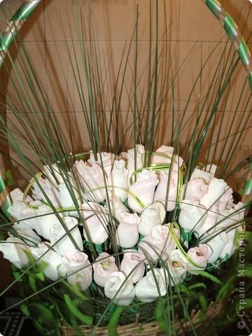 Моя первая работа в технике свит-дизайн. Очень понравилось делать розы. Теперь хочу попробовать другие букеты с другими цветами. фото 3