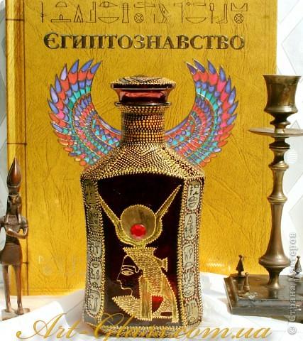 Бутылка делалась на заказ для девушки, которая очень любит египетскую культуру. фото 1