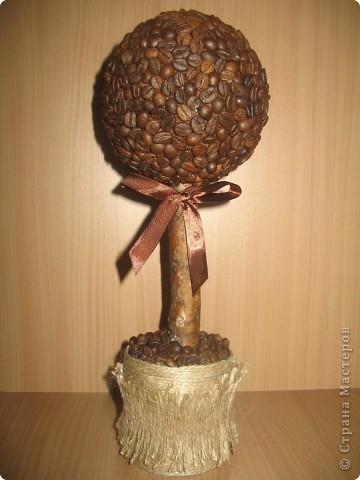 На такое деревце из органзы конечно же меня вдохновила своими прекрасными работами svet71, а за МК роза из ткани СПАСИБО Колериночка http://stranamasterov.ru/node/182273?c=favorite фото 3