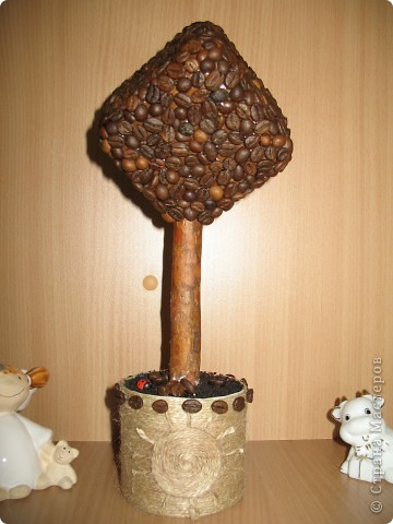 На такое деревце из органзы конечно же меня вдохновила своими прекрасными работами svet71, а за МК роза из ткани СПАСИБО Колериночка http://stranamasterov.ru/node/182273?c=favorite фото 4