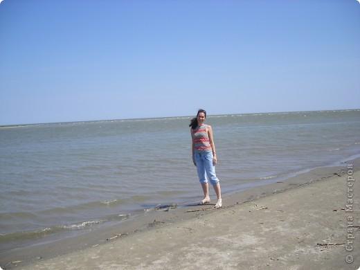 Отдыхая в Одессе в августе этого года, мне довелось посетить несколько интересных мест. Одним их них стало Вилково – так называемая «Украинская Венеция», последний населенный пункт на побережье Дуная перед его впадением в Черное море. Вилково вызвало у меня довольно-таки противоречивые чувства. Ничего подобного увидеть я не ожидала. фото 19
