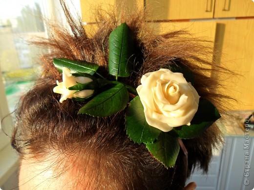 """Веточка розы цвета """"слоновая кость"""" с бутончиком и листьями. фото 6"""
