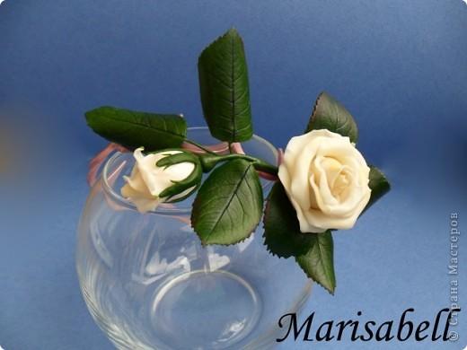 """Веточка розы цвета """"слоновая кость"""" с бутончиком и листьями. фото 3"""