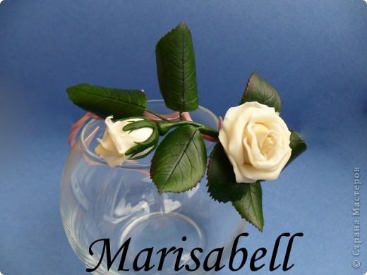 """Веточка розы цвета """"слоновая кость"""" с бутончиком и листьями. фото 2"""