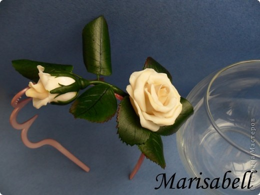 """Веточка розы цвета """"слоновая кость"""" с бутончиком и листьями. фото 5"""