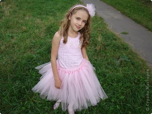 Вот и у моей принцессы есть юбка-пачка и обруч в копмлект к ней.  Хорошо, что был хороший повод - сестра моего мужа выходила замуж. фото 2