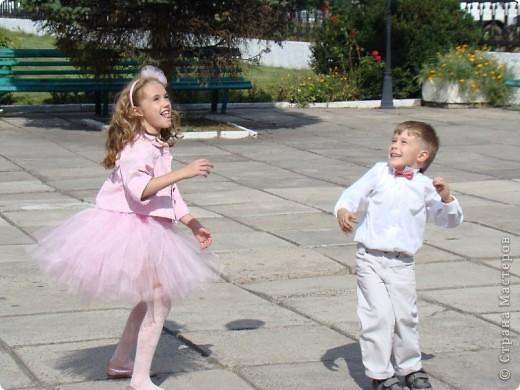 Вот и у моей принцессы есть юбка-пачка и обруч в копмлект к ней.  Хорошо, что был хороший повод - сестра моего мужа выходила замуж. фото 4