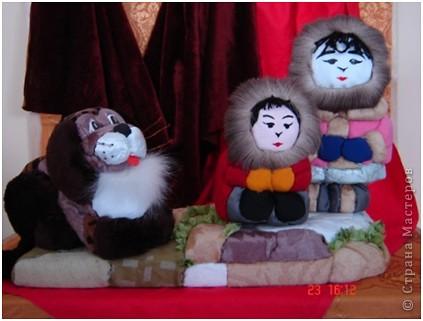 """Все дети любят игрушки, причём самые разные. Почему бы не подарить им их, а если они их сделают своими руками, то подарок будет вдвойне дороже. Сегодня я представляю объёмые модели в технике - инкрустация по пенопласту. МК можно посмотреть здесь - http://kugotova.ucoz.ru/blog/izgotovlenie_igrushki_metodom_inkrustacii/2011-08-16-7  """"Клоун с собачкой"""" (повторюшка) фото 4"""