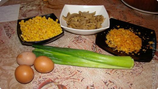 """Салатик """"Лёгкий"""" давно уже прижился на нашем столе. Он очень прост в приготовлении и вкусный. фото 2"""